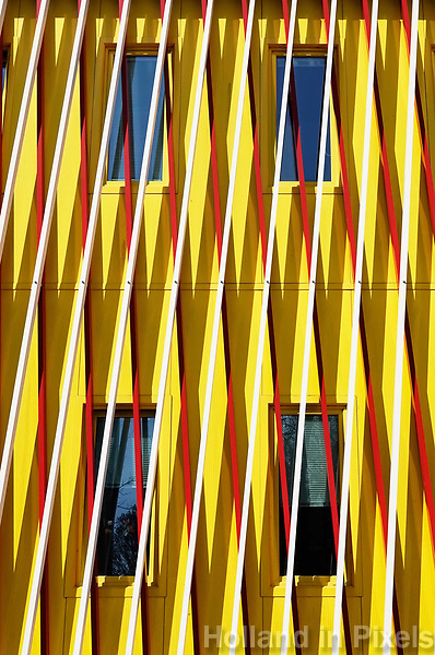 Nederland Groningen - 2019. Zernike Universiteitscampus. De UB Zernike is de bibliotheek van de drie RUG-faculteiten die gevestigd zijn op de Zernike Campus: Economie en Bedrijfskunde, Ruimtelijke Wetenschappen en Wiskunde en Natuurwetenschappen. Foto Berlinda van Dam / Hollandse Hoogte