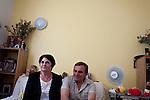 reportage pour famille Chrétienne au Centre d'Hébergement de Stabilisation parisien Valgiros.      Jean-marie fait parti des bénévoles qui habitent à Valgiros                                Valgiros est basé sur lr concept d' une cohabitation entre des résidents bénévoles et des personnes ayant vécu dans la rue, soutenue par un accompagnement professionnel pluridisciplinaire en journée.  Cette vie quotidienne partagée entre des personnes socialement intégrées et d'autres en chemin de réinsertion constitue à la fois l'originalité ce projet. Composé de trois appartements de huit personnes et de trois studios, Valgiros offre à 21 personnes en situation de grande précarité un espace de transition entre la rue et des solutions plus autonomes, en leur permettant de prendre le temps d'une reconstruction personnelle et d'un réapprentissage socio-professionnel durable...Valgiros est porté par l'association « Aux captifs, la libération ». Depuis 30 ans, ses membres vont dans les rues de Paris à la rencontre des personnes en situation d'exclusion, et leur proposent un accompagnement social fondé sur une approche globale de la personne. Elle propose ainsi, en complément de l'ouverture des droits fondamentaux, des programmes de dynamisation et des parcours de réinsertion. L'association s'appuie sur  45 salariés et 180 bénévoles pour rencontrer 7 500 personnes par an.   (communiqué de presse)