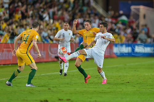 29.03.2016. Allianz Stadium, Sydney, Australia. Football 2018 World Cup Qualification match Australia versus Jordan. Australian midfielder Mark Milligan and Jordan midfielder Ahmed Samir in action. Australia won 5-1.