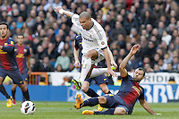 Real Madrid's Pepe (l) and FC Barcelona's Javier Mascherano during La Liga match.March 02,2013. (ALTERPHOTOS/Acero) /NortePhoto
