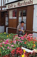 Europe/France/Pays de la Loire/49/Maine-et-Loire/Montreuil-Bellay: Jour de marché [Non destiné à un usage publicitaire - Not intended for an advertising use]<br /> PHOTO D'ARCHIVES // ARCHIVAL IMAGES<br /> FRANCE 1990