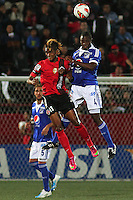 TIJUANA -MÉXICO, 10-04-2013.  Fidel Martínez (I) del Tijuana y Yolber Gonzalez (D) de Millonarios durante el juego de la fase de grupos de la Copa Libertadores 2013 en el Estadio Caliente en Tijuana, Mexico./ Fidel martinez (l) of Tijuana and Yolber Gonzalez (r) of Millonarios fights for tha ball during match of the groups stage of Libertadores Cup 2013 at Caliente stadium in Tijuana, Mexico.  Photo: Gonzalo Gonzalez /JAM MEDIA/VizzorImage