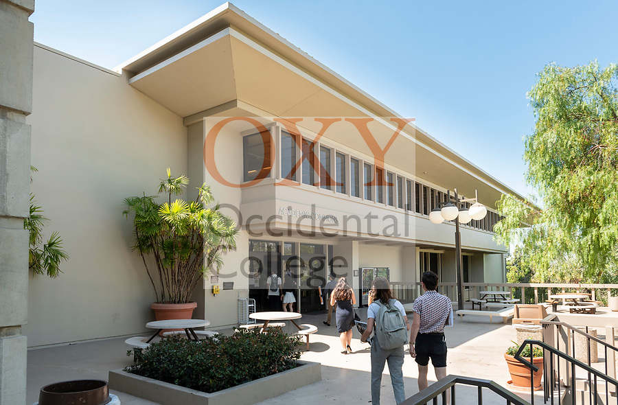 The Academic Commons and Mary Norton Clapp Library entrance, Aug. 1, 2018.<br /> (Photo by Marc Campos, Occidental College Photographer)