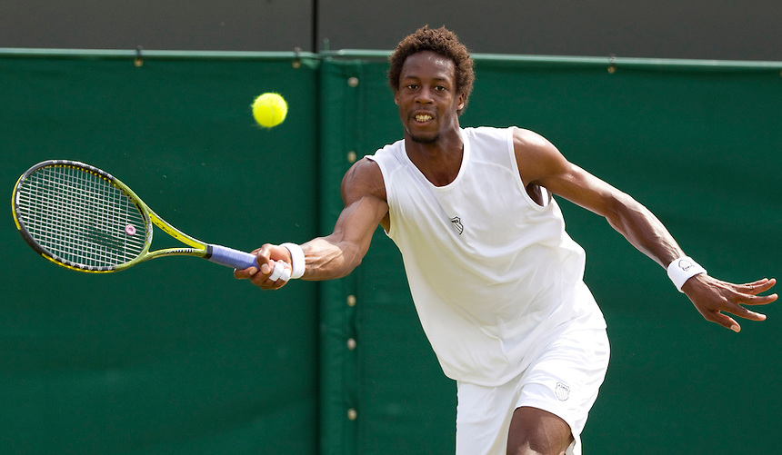 Gael Monfils (FRA) against Karol Beck (GER) in the second round of the men's singles. Monfils beat Beck 6-4 6-4 7-6..