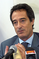 8 GIU 2004 Milano: conferenza stampa dopo l'arresto di AHMED SAYED OSMAN RABEI (considerato una delle menti degli attentati di Al Qaeda a Madrid ) e di YAHIA PAYUMI palestinese, il PM MAURIZIO ROMANELLI   .JUN 8 2004 Milan: Press conference after the arrest of AHMED SAYED OSMAN RABEI (considered one of the promoters of Al Qaeda attacks in Madrid) and of the Palestinian YAHIA PAYUMI. The prosecutor MAURIZIO ROMANELLI MAURIZIO ROMANELLI