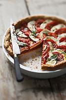 Tarte à la Tomate, mozzarella , basilic - recette de Christian Constant EXCLU: EDITION LIVRE CUISINE DU SUD-OUEST