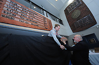 SPEEDSKATING: SALT LAKE CITY: 10-12-2017, Utah Olympic Oval, ISU World Cup, Ted-Jan Bloemen (CAN), World record holder 5000m Men 6.01,86, Sergio Anesi (ISU representative), ©photo Martin de Jong