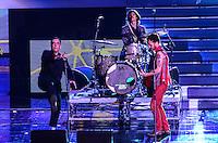 ATENCAO EDITOR: FOTO EMBARGADA PARA VEICULOS INTERNACIONAIS. - RIO DE JANEIRO, RJ,19 DE SETEMBRO 2012 - PREMIO MULTISHOW 2012- Arnaldo Antunes e Nando Reis na  cerimonia de entrega do Premio Multishow na noite desta terca dia 18 de setembro, no HSBC Arena, na Barra da Tijuca, zona oestedo Rio de Janeiro.(FOTO: MARCELO FONSECA / BRAZIL PHOTO PRESS).