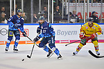 Sean Sullivan (Nr.37 - ERC Ingolstadt), Mirko Hoefflin (Nr.92 - ERC Ingolstadt) und Rihards Bukarts (Nr.14 - Duesseldorfer EG) beim Spiel in der DEL, ERC Ingolstadt (dunkel) - Duesseldorfer EG (hell).<br /> <br /> Foto © PIX-Sportfotos *** Foto ist honorarpflichtig! *** Auf Anfrage in hoeherer Qualitaet/Aufloesung. Belegexemplar erbeten. Veroeffentlichung ausschliesslich fuer journalistisch-publizistische Zwecke. For editorial use only.