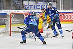 Maurice Edwards (Nr.23 - ERC Ingolstadt) und Brandon Mashinter (Nr.53 - ERC Ingolstadt) vor Torwart Mathias Niederberger (Nr.35 - Duesseldorfer EG) beim Spiel in der DEL, ERC Ingolstadt (dunkel) - Duesseldorfer EG (hell).<br /> <br /> Foto © PIX-Sportfotos *** Foto ist honorarpflichtig! *** Auf Anfrage in hoeherer Qualitaet/Aufloesung. Belegexemplar erbeten. Veroeffentlichung ausschliesslich fuer journalistisch-publizistische Zwecke. For editorial use only.