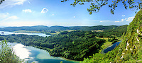 France, Jura (39), Chaux-du-Dombief, vue depuis le Belvédère des quatre lacs, ici, le Petit Maclu et le Grand Maclu (1er plan), le lac de la Motte d'Ilay au fond // France, Jura, Chaux du Dombief, view from the Belvedere of the Quatre Lacs, here the Petit Maclu and the Grand Maclu (first), Motte d'Ilay lake far left