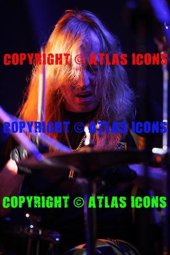 STRYPER, LIVE, MONSTERS OF ROCK, 2013, 1988, NEIL ZLOZOWER