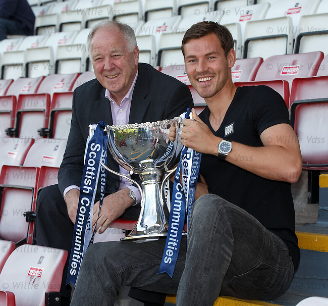 Craig Brown with Andrew Barrowman of Dunfermline