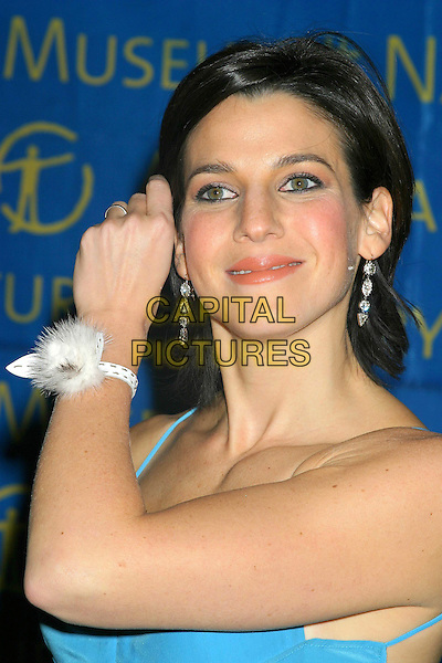 JESSICA SEINFELD.The Museum Ball 2004, American Museum of Natural History, New York City..November 17, 2004 .headshot, portrait, corsage, wrist brushing hair from face  gesture.www.capitalpictures.com.sales@capitalpictures.com.© Capital Pictures