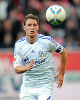 FUSSBALL   1. BUNDESLIGA   SAISON 2011/2012    10. SPIELTAG Bayer 04 Leverkusen - FC Schalke 04                        23.10.2011 Benedikt HOEWEDES (FC Schalke 04) Einzelaktion am Ball