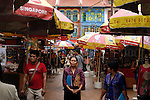 Singapore: Chinatown è il cuore culturale di Singapore delimitata e qui si riesce ad avere una vaga idee del modo di vivere degli immigrati cinesi che plasmarono e costruirono la Singapore moderna