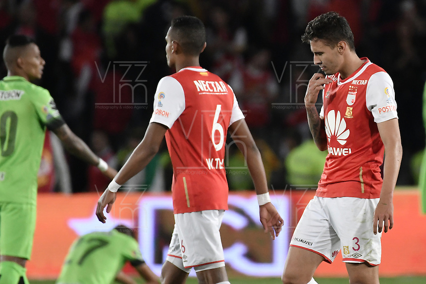 BOGOTÁ -COLOMBIA, 07-12-2016. Independiente Santa Fe y Atlético Nacional en partido de ida por la semifinal de la Liga Aguila II 2016 jugado en el estadio Nemesio Camacho El Campin de la ciudad de Bogota.  / Independiente Santa Fe and Atletico Nacional in the semifinal first leg match of the Liga Aguila II 2016 played at the Nemesio Camacho El Campin Stadium in Bogota city. Photo: VizzorImage/ Gabriel Aponte / Staff