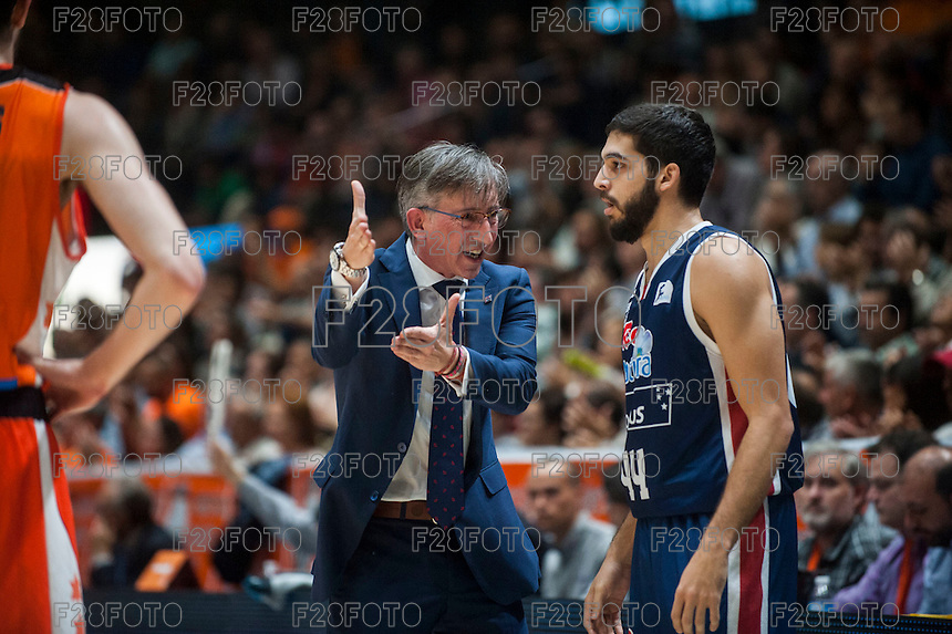 VALENCIA, SPAIN - OCTOBER 31: Moncho Fernandez and Jose Pozas during ENDESA LEAGUE match between Valencia Basket Club and Rio Natura Monbus Obradoiro at Fonteta Stadium on   October 31, 2015 in Valencia, Spain