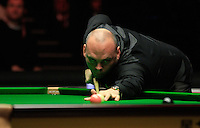 Stuart Bingham plays a shot on the pink ball during the Dafabet Masters Q/F 4 match between John Higgins and Stuart Bingham at Alexandra Palace, London, England on 15 January 2016. Photo by Liam Smith / PRiME Media Images