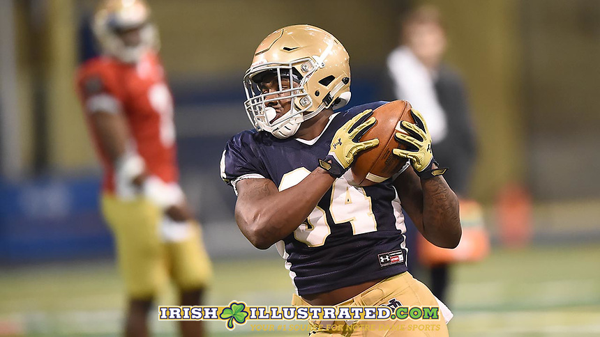 Running back Tony Jones Jr. (34)