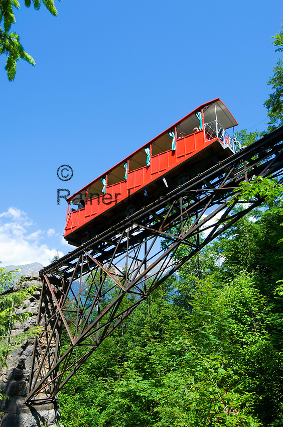 CHE, Schweiz, Kanton Bern, Berner Oberland, Giessbach am Brienzersee: Giessbach Standseilbahn, aelteste Standseilbahn Europas | CHE, Switzerland, Bern Canton, Bernese Oberland, Giessbach at Lake Brienz: Giessbach cable railway, Europe's oldest