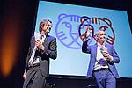 Rotterdam, 23 juni 2015<br /> International Film Festival Rotterdam<br /> Vertrekkend directeur Rutger Wolfson (links) en opvolger Bero Beyer. Met patat van Schipper.<br /> Afscheid directeur Rutger Wolfson, Oude Luxor.<br /> Foto Felix Kalkman