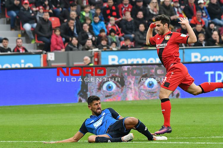 22.10.2016, BAYARENA, Leverkusen, GER, 1.FBL., Bayer 04 Leverkusen vs. TSG 1899 Hoffenheim  <br /> <br /> im Bild / picture shows: <br /> die Szene die zum Platzverweis fp&uuml;r Kevin Volland (Leverkusen #31), re f&uuml;hrte ein Foul vor dem Strafraum Kerem Demirbay (Hoffenheim #13),  am Boden <br /> <br /> <br /> <br /> Foto &copy; nordphoto / Meuter