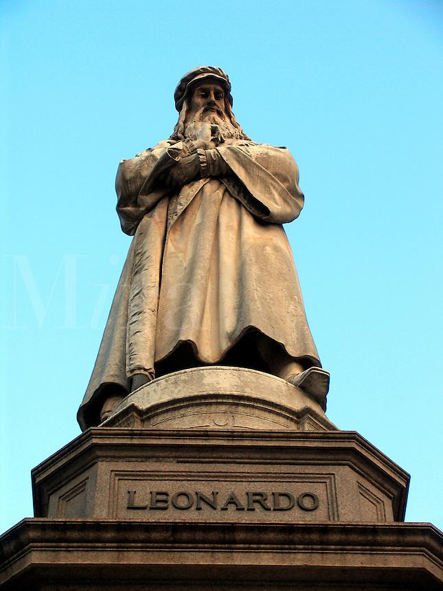 Statue of Leonardo da Vinci, Milan, Ital