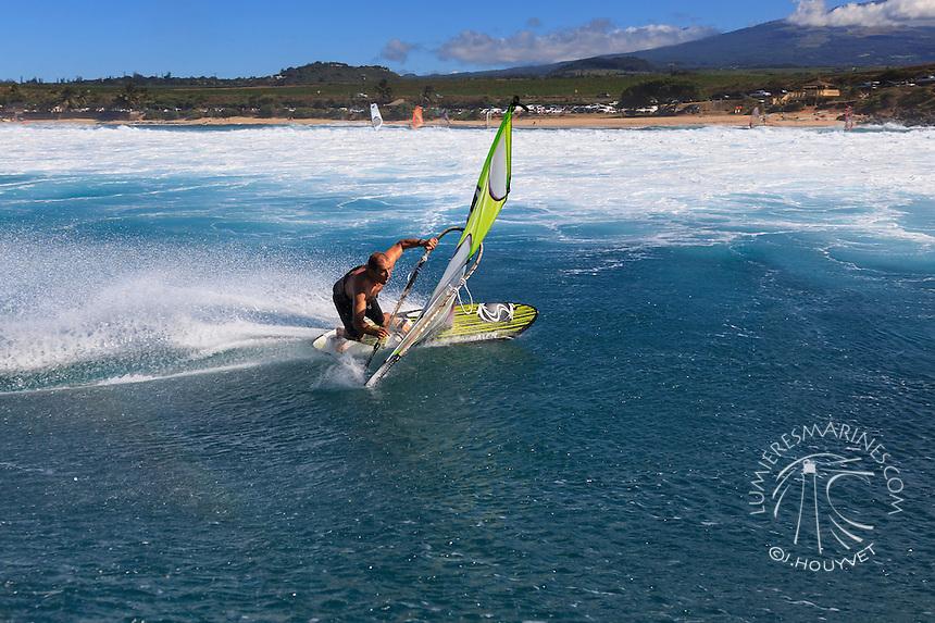 Kai Katchadourian (USA) windsurfing in Ho'okipa Beach Park (Maui, Hawaii, USA)