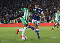 BOGOTÁ- COLOMBIA - 31 - 01 - 2018: Andres Cadavid (Der.) jugador de Millonarios  disputa el balón con Gustavo Torres (Izq.) jugador del Atlético Nacional  durante partido  entre Millonarios  y Atlético Nacional por el partido de ida de la Superliga  Águila 2018 jugado en el estadio Nemesio Camacho El Campín de la ciuada de Bogotá. / Andres Cadavid (R), player of Millonarios vies for the ball with Gustavo Torres (L) player of Atletico Nacional  , during the match between Millonarios and Atlético Nacional for the first leg of Superliga Aguila  2018 played at the Nemesio Camacho Stadium El Campin of the city of Bogotá. Photo: VizzorImage  / Felipe Caicedo / Staff
