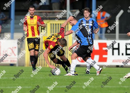 2013-07-06 / Voetbal / seizoen 2013-2014 / Rupel-Boom - KV Mechelen / Cedric de Troetsel (R-B) stopt David Destorme af<br /><br />Foto: Mpics.be