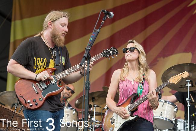 Tedeschi Trucks Band - Susan Tedeschi and Derek Trucks