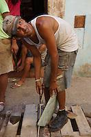 improvising life on the streets of Havana