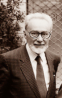 Primo Levi: Primo Levi, Italian-Jewish writer and chemist, noted for his restrained and moving autobiographical account of and reflections on survival in the Nazi concentration camps. Milano settembre 1986. © Leonardo Cendamo