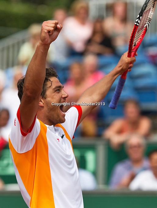 14-07-13, Netherlands, Scheveningen,  Mets, Tennis, Sport1 Open, day seven final, Jesse Huta Galung (NED) wins and jubilates.<br /> <br /> <br /> Photo: Henk Koster