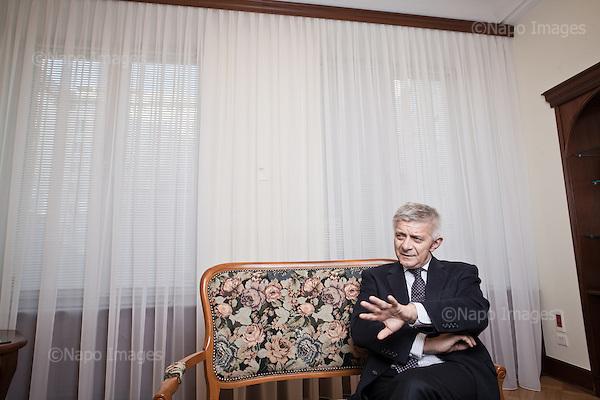 WARSZAWA, 6/02/2015:<br /> Prezes NBP Marek Belka podczas wywiadu w biurze NBP.<br /> Fot: Piotr Malecki / Napo Images dla Forbes Polska<br /> <br /> WARSAW, POLAND, 6/02/2015:<br /> Head of Polish National Bank Marek Belka during interview at his office.<br /> (Photo by Piotr Malecki / Napo Images)