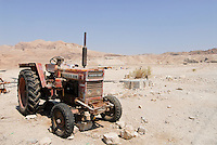 JORDAN , water shortage in Jordan valley and at Dead Sea, abandoned Volvo BM tractor / JORDANIEN , Wassermangel  im Jordan Tal und am Toten Meer, kaputter Volvo Traktor