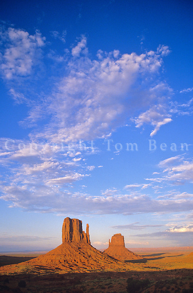 Clouds over the Mitten and Merrick Buttes, Monument Valley Tribal Park, Arizona / Utah, AGPix_0311.