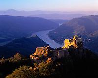 Austria, Lower Austria, Wachau, Castleruin Aggstein above river Danube, built 1100-1113 by Nizzo von Gobatsburg, sunrise