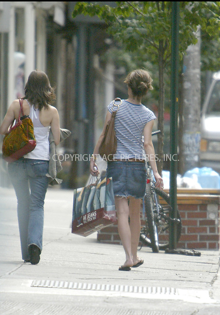 WWW.ACEPIXS.COM . . . . . ... . . EXCLUSIVE . . FEE MUST BE AGREED BEFORE USE . . . ..NEW YORK, AUGUST 31, 2004. Lara Flynn Boyle stuffed her belly pretty well during lunch with a friend at Cafe Colonial Restaurant. Please byline: Alecsey Boldeskul - ACE PICTURES.   .. *** ***  ..Ace Pictures, Inc  ** ..Alecsey Boldeskul (646) 267-6913 **..Philip Vaughan (646) 769-0430 **..e-mail: info@acepixs.com..web: http://www.acepixs.com