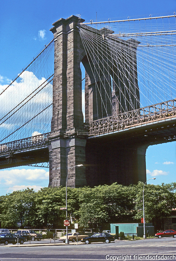 New York: Brooklyn Pier, Brooklyn Bridge. Photo '91.