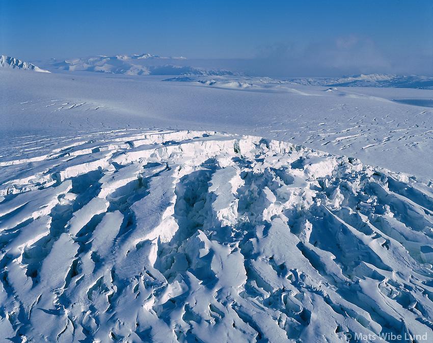 Síðujökull séð til austurs. Vatnajökull. Öræfajökull í fjarska. Hálendið. /.Sidujokull glacier, part of Vatnajokull, viewing east to Oreafajokull. Highlands./
