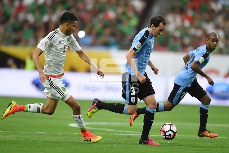Action photo during the match Mexico vs Uruguay, Corresponding Group -C- America Cup Centenary 2016, at University of Phoenix Stadium<br /> <br /> Foto de accion durante el partido Mexico vs Uruguay, Correspondiante al Grupo -C-  de la Copa America Centenario USA 2016 en el Estadio de la Universidad de Phoenix, en la foto: (i-d) Diego Reyes de Mexico y Diego Godin de Uruguay<br /> <br /> <br /> 05/06/2016/MEXSPORT/Omar Martinez.