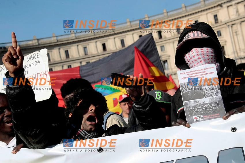 Immigrati<br /> Roma 18-10-2013 Manifestazione dei sindacati di base USB e COBAS in occasione dello sciopero nazionale dei lavoratori.<br /> Strike and demonstration of the Left Trade Unions<br /> Photo Samantha Zucchi Insidefoto