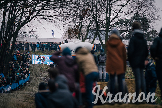 fans lined up, curious to see the riders coming down the (new) dirt jump section<br /> <br /> GP Sven Nys (BEL) 2019<br /> DVV Trofee<br /> ©kramon