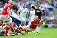 Dan Biggar of Wales passes the ball. Old Mutual Wealth Cup International match between England and Wales on May 29, 2016 at Twickenham Stadium in London, England. Photo by: Patrick Khachfe / Onside Images