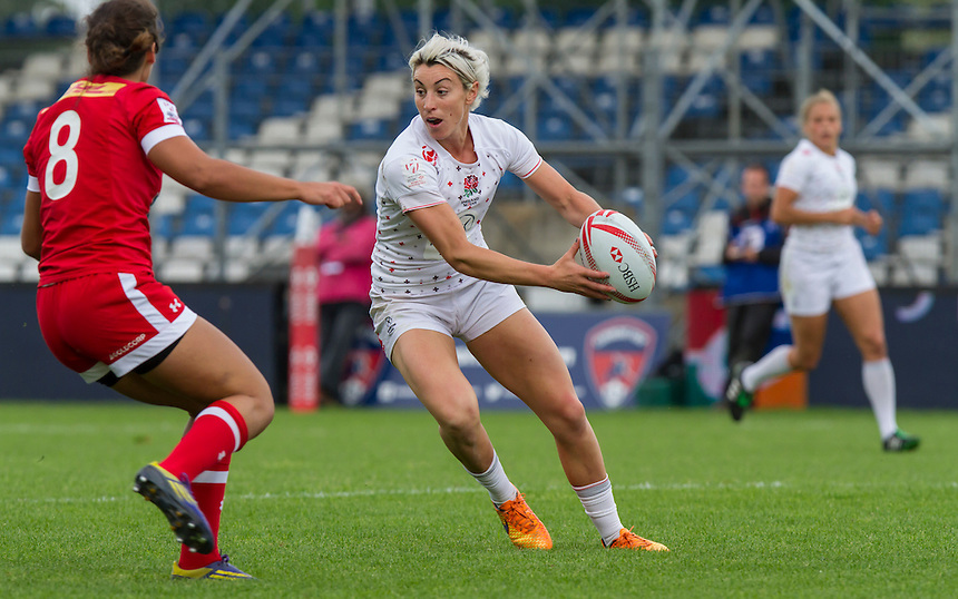 Alice Richardson in action, World Rugby Women's HSBC Sevens Series, Clermont Ferrand, Day 2, at Stade Gabriel Montpied, Clermont Ferrand, France, on 29th May 2016