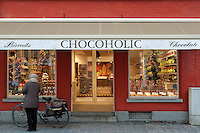 Belgium, West-Flanders, Bruges: exterior of Belgian Chocolate shop