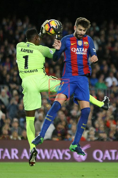 League Santander 2016/2017. Game: 12.<br /> FC Barcelona vs Malaga CF: 0-0.<br /> Carlos Kameni vs Gerard Pique.