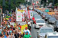 Manifestaçao dos Movimentos por Moradia na Avenida Paulista. Sao Paulo. 2015. Foto de Lineu Kohatsu.